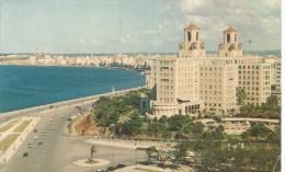 PR122 - POSTAL - HOTEL NACIONAL Y PASEO DEL MALECON - LA HABANA - CUBA