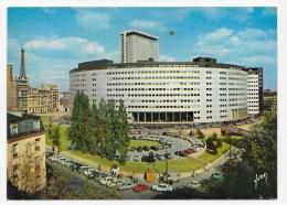 PARIS  EN 1967 - N° E.K.B. 6041 - LA MAISON DE LA RADIO ET TOUR EFFEIL AVEC VIEILLES VOITURES - CITROEN DS 2CV - CPSM GF - Piazze