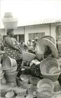 Réf : A-15-1840  : GHANA  BASKET SELLER - Ghana - Gold Coast