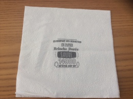 """Serviette Papier """"en Modifiant Ses Serviettes En Papier Brioche Dorée Sauve 14000 Arbres Par An"""" 15x15,2cm Pliée - Serviettes Publicitaires"""