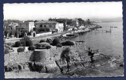 06.La Napoule. Littoral, Remparts Et Hôtel Beau Rivage. 1956 - Autres Communes