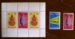 SURINAM Prehistoire, Outils Prehistoriques 2 Valeurs + 1 BF. Mnh ** - Preistoria