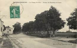 Ref E533- Vendée -  Sainte Hermine - Ste Hermine - Le Champ De Foire -avenue De Fontenay Le Comte  - Carte Bon Etat - - Sainte Hermine