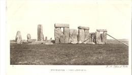 4  Stonehenge -  View Looking N. England - Stonehenge