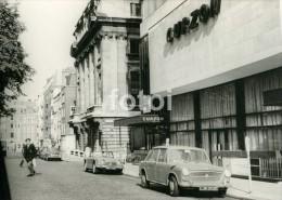60s ORIGINAL AMATEUR PHOTO CURZON CINEMA MAYFAIR LONDON UK ENGLAND TRIUMPH TR Mms8 - Automobiles