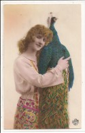 Fantaisie - Femme Avec Un Paon - Femmes