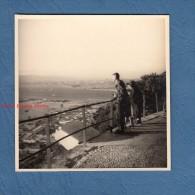 Photo ancienne amateur - GIBRALTAR  - vue sur le d�troit - passage de bateau - 1959