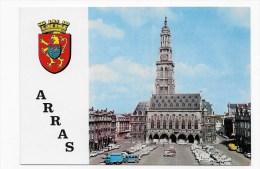 ARRAS EN 1969 - N° 324 - PETITE PLACE - L' HOTEL DE VILLE AVEC  CITROEN 2 CV - LEGEREMENT ABIMEE AU VERSO - Arras