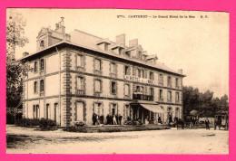 Carteret - Le Grand Hôtel De La Mer - Animée - Calèches - G.F. - Carteret