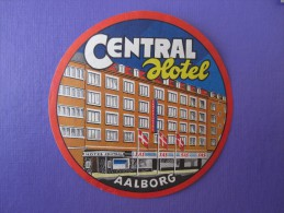 HOTEL HOTELLI HOTELL MOTEL MISSION MOTEL CENTRAL AALBORG DANMARK DECAL LUGGAGE LABEL ETIQUETTE AUFKLEBER - Hotel Labels