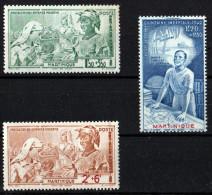 MARTINIQUE 1942 POSTE AERIENNE N° 1/3 NEUFS ** COTE 2.10 EUROS - Poste Aérienne