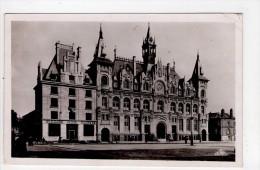 CP 9*14/I1552/MEZIERES HOTEL DE VILLE ET LA POSTE - Charleville
