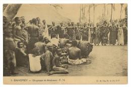 S2576 -1 - Dahomey - Un Groupe De Féticheurs - F.N. - Dahomey
