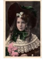 CPA  Jolie Jeune Fille Avec Des Cheveux Longs - Portraits