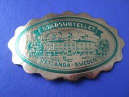 HOTEL HOTELLI HOTELL HOTELLET PENSION MOTEL STAD VETLANDA MINI SVERIGE SWEDEN DECAL LUGGAGE LABEL ETIQUETTE AUFKLEBER - Hotel Labels