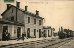 49 - DOUE-LA-FONTAINE - Gare - Train - Doue La Fontaine