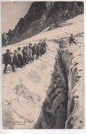 REF 215 CPA Glaciers Des Alpes Une Crevasse Alpinisme - Alpinisme