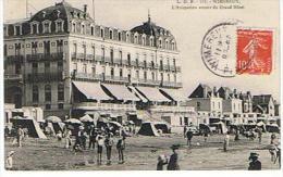 CPA 60 *WIMEREUX * L ANIMATION AUTOUR DU GRAND HOTEL - France