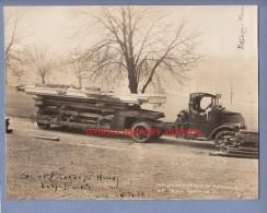 Photo Ancienne - PITTSBURGH , PA - Camion De Transport De Bois - Truck - Maison BENKART Hauling Constructors - 1930 - Automobili