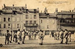 19  TULLE  Sur La  PLACE Du  CHAMPS-de-MARS L'Instruction Des  Recrues - Tulle