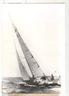 """Photo Ancienne """"Le Voilier Ackel France Du Navigateur Gilles Vaton Au Large De Benodett""""  1976 - Boten"""