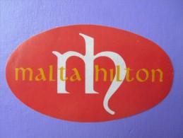 ISLAND HOTEL MOTEL PENSION RESIDENCE HILTON INTERNATIONAL MALTA TAG DECAL LUGGAGE LABEL ETIQUETTE AUFKLEBER - Hotel Labels