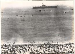 """Photo Ancienne """"Défilé Naval En Méditerranée - Le Clémenceau Au Large De Nice"""" 1976 - Boten"""