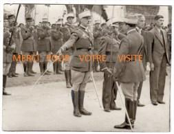 Militaria-Photo 1er Reg. Tirailleurs Blida (Algérie)-Colonel Chevallier Remet La Légion D´Honneur Au Lieutenant E. Plat - Guerre, Militaire