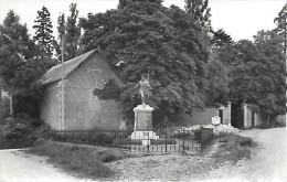 Thieux - Oise - Le Monument - Frankreich
