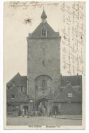 MOLSHEIM (Bas-Rhin) Devant L'Entrée De La Porte Des Forgerons - Animée - Molsheim