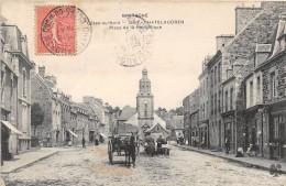 CHATELAUDREN - Place De La République - Châtelaudren