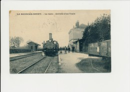 LA BAZOCHE GOUET - La Gare, Arrivée D'un Train - Autres Communes
