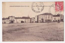 Place De Champ De Foire - Champdeniers Saint Denis