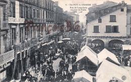 (33) Sainte Ste Foy La Grande - Rue De Langalerie Un Jour De Foire Marché - TBE - 2 SCANS - France