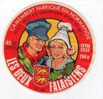 Fev15   61046    étiquette  Camembert    Les Deux Falaisiens - Cheese