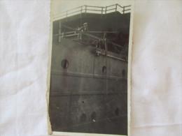 PHOTO D UN MARIN AU BASTINGUAGE D UN NAVIRE EN  1933