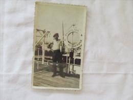 PHOTO D UN MARIN SUR L ASTROLABE EN  1933 - Boats