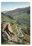 Cp, Alpinisme, Cerdagne, Les Lacet De La Route De Mont-Louis à Prades, Au Loin, Le Massif Du Cannigou Enneigé - Alpinisme