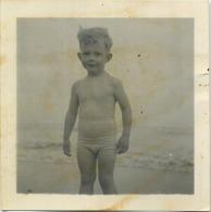 REAL PHOTO, Naked Boy  ( Format  6.5 X 6.5 Cm  ) - Photos