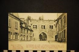 CP, 02, COUCY Le CHÂTEAU Les Fortifications De La Ville Vue Intérieur De La Porte De Laon N° 675 Dos Simple Vierge - France
