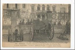 CPA Militaria : Trophées Allemands Exposés Hôtel De Ville Orléans - Crapouillot , Canon 77 Mm - Lance Bombes - Weltkrieg 1914-18
