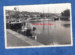 Photo ancienne - Port � identifier - Beau bateau � quai - Bretagne ?