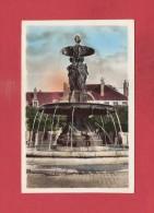 * CPSM..dépt 77..MELUN  :  La Fontaine Saint Jean    : Voir Les  2  Scans - Melun