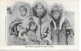 ETATS-UNIS - ALASKA - Une Famille Chrétienne De L'Océan Arctique - Cartes Postales