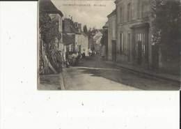 Beaumont-la-Chartre  72    Le  Haut-Bourg -Rue Tres Animée - Andere Gemeenten