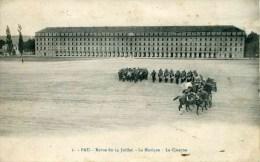 1 - PAU - Revue Du 14 Juillet - La Musique - La Caserne (date 1909) - Pau