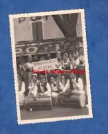 Photo Ancienne - SISTERON - Folklore Du Comtat Venaissin - Aout 1954 - Reneissenço Vedène - Tambour - Carpentras - Orte