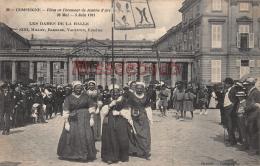 60 - COMPIEGNE -  Fête En L'honneur De  Jeanne D'Arc 1911 -Les Dames De La Halle -  2 Scans - Compiegne