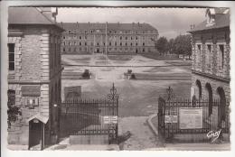 RENNES 35 ( Militaria ) - Quartier Foch - CPSM Dentelée Noir Blanc PF 1952 -  Ile Et Vilaine - Rennes