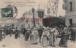 60 - COMPIEGNE - Fête De Jeanne D'Arc - Dames De La Halle - Mai Fleuri - 2 Scans - Compiegne